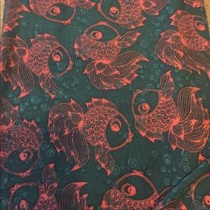 NWOT LuLaRoe fish leggings OS